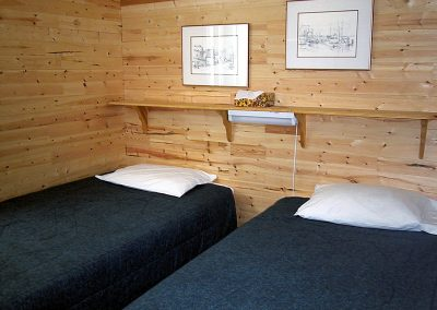 kyuquot-beach-house-bedroom